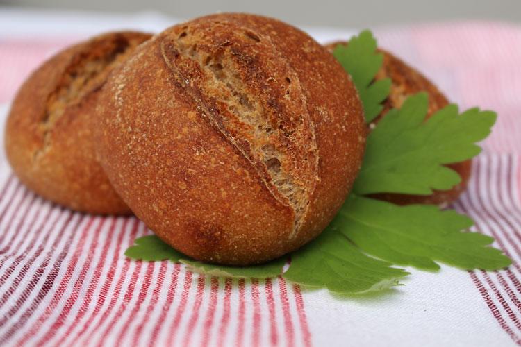 Dinkel-Vollkorn-Buttermilch-Brötchen oder: Frustbrötchen