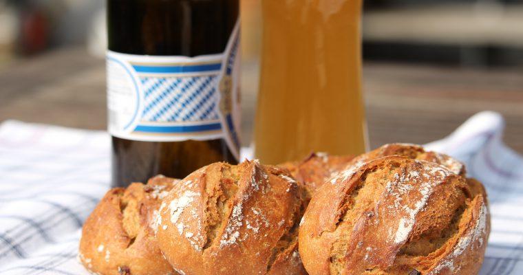 Sauerkraut-Speck-Brötchen
